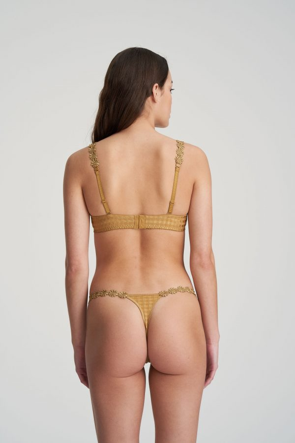 AVERO gold string