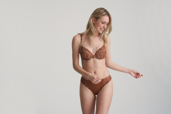 AMALIE Bronzo d'oro mousse bh hartvorm